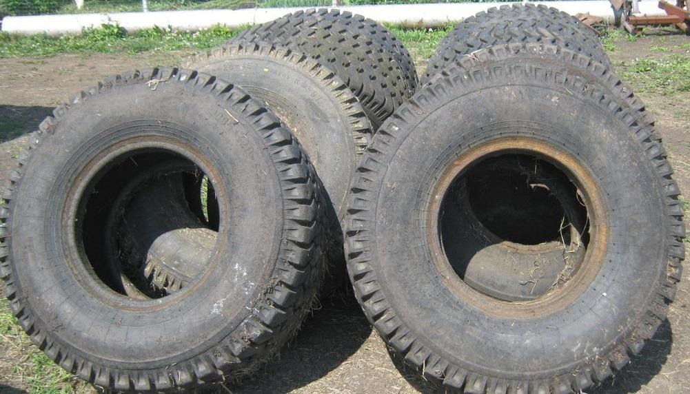Продается резина с/х КФ-97, б/у, (10 тонки), на тракторную телегу, лесовозный прицеп-роспуск, ГАЗ-66, ободрыши и самоделки.