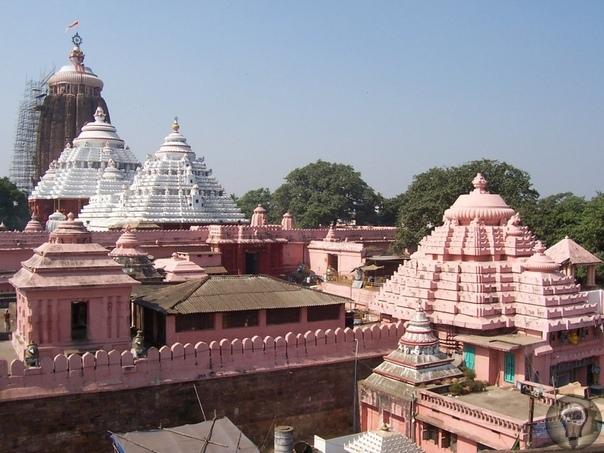 Джаганнатхи - храм, над которым не летают птицы В индийском городе Пури штата Орисса стоит знаменитый индуистский храм Джаганнатхи. Он посвящен одноименному божеству Джаганнатхи и является