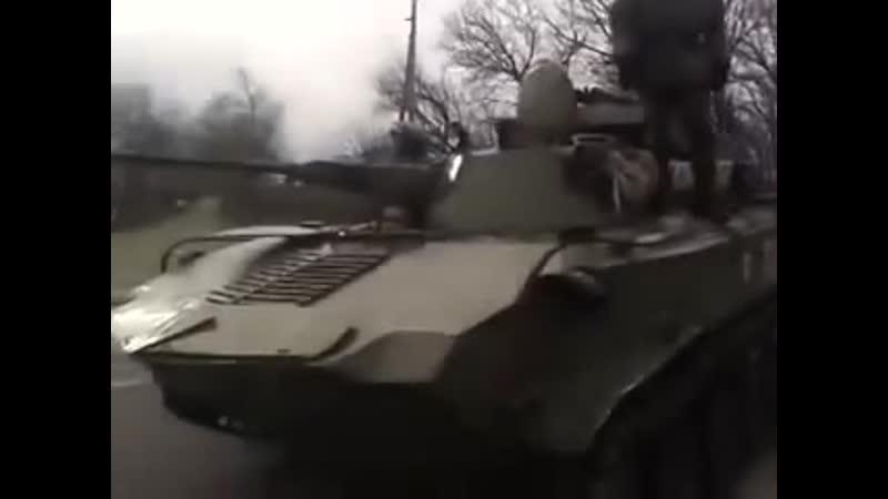 Украина. Донбасс. ВСУ давят танками мирных. Март 2014 г.