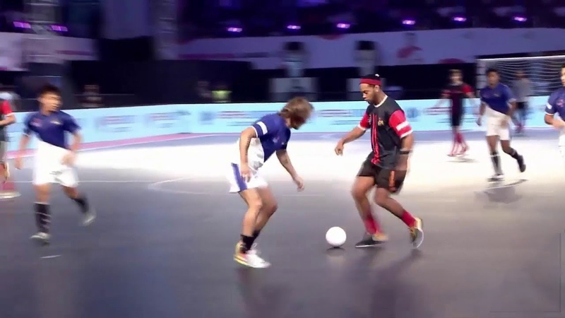 Lawan Ronaldinho Tim Futsal Profesional Terlihat Amatir !!