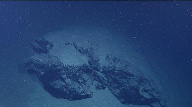 Глубоководный снег, пир из трупов на глубине