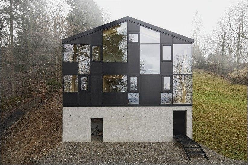 Реконструированный студией Jochen Specht дом был построен в далеком 1961 году и находится на живописном холме над Дорнбирном, Австрия.