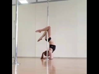 Людмила Букрина. Комбо из стоек у пилона. Kats dance studio