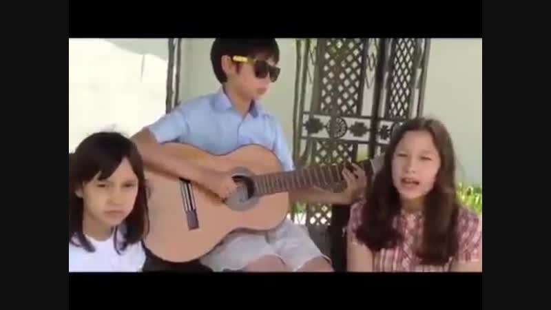 [PreDebut] Huening Kai singing price tag'. The girls are probably his sisters.TXT. BigHit