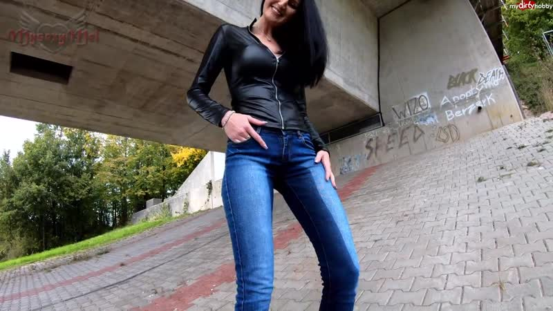 Wetting her Pants under the bridge