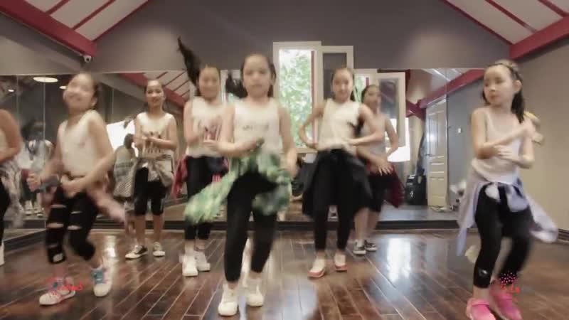 Piranha__Lakid__Zumba_Dance_Workout__Zumba_Fitness_Vietnam__LaZum3