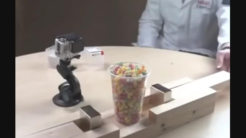 Магнит плющит попкорн