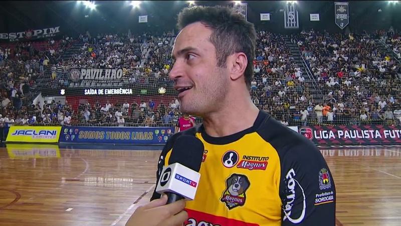 Falcão brinca com falta de árbitro na final do Paulista de Futsal: Se quiser, eu apito