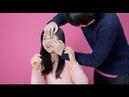 Корейские девушки пытаются открыть глаза