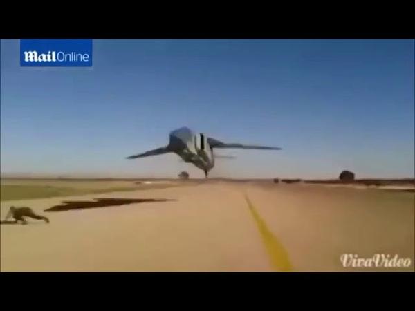 Полет МиГ-23 на высоте пары метров над землей