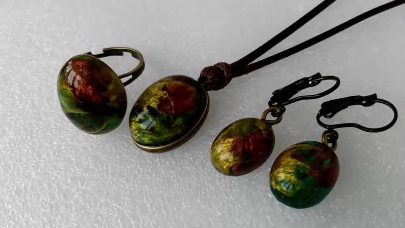 Набор украшений из эпоксидной смолы jewelry made of epoxy resin