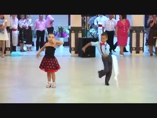 Ну просто нереальные танцоры.))