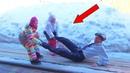 ЖОРА как НЯНЯ одни ДоМа Дети разыграли Жорика и ЗАставИли играть куклами противостояние