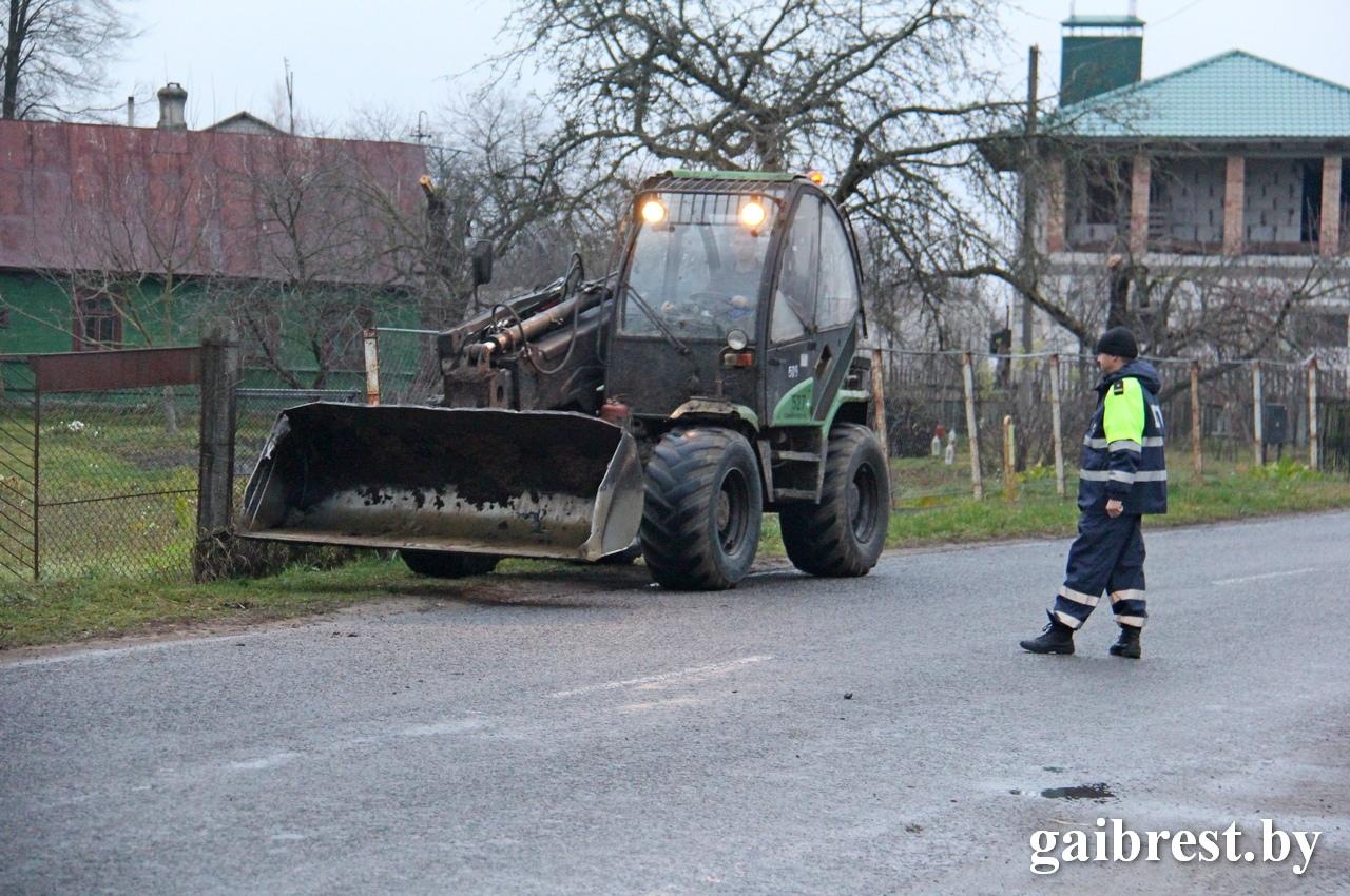ГАИ продолжает осуществлять усиленный контроль за сельхозтехникой