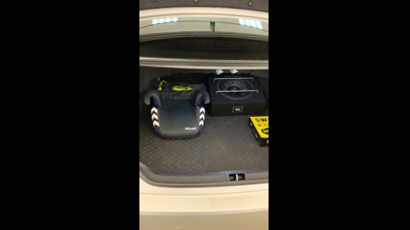 Toyota Camry V55 - установка сабвуфера