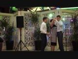 Танец мамы с сыновьями, - лучший танец на юбилей