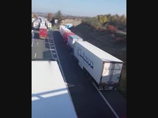 Забастовка французких дальнобойщиков.