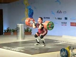 Виктор Щербатых толкает 252 кг