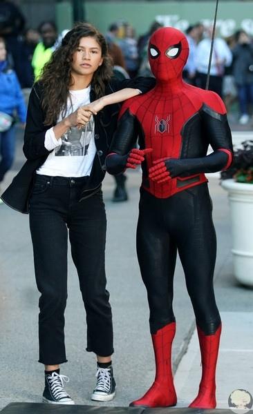 "Том Холланд и Зендая Коулман на съемках сиквела ""Человека-паука"" в Нью-Йорке"