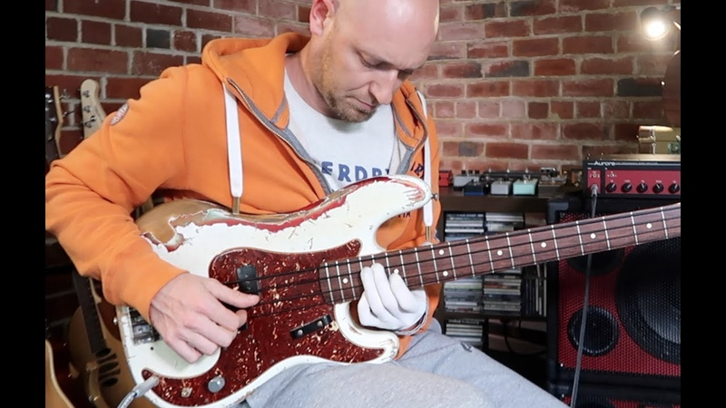10 EASY shapes to master bass chords... for good!
