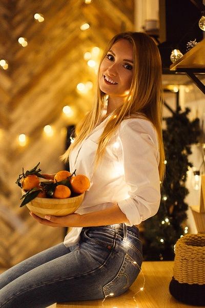 Александра Чурикова