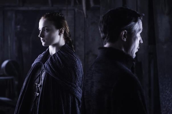 Игра Престолов:Королева Севера Внимание! ВОЗМОЖНЫ СПОЙЛЕРЫ! (Разбора 8 сезона здесь нет) По 6 сезону:Начнем мы с той, которая, наравне в двумя другими, имеет права на звание королевы.Речь,