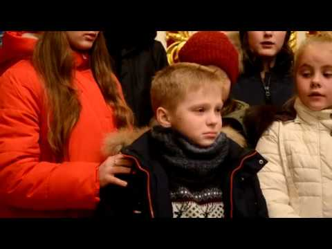 Діти Недільної школи Свято-Успенського храму просять не забирати у них їхній храм.