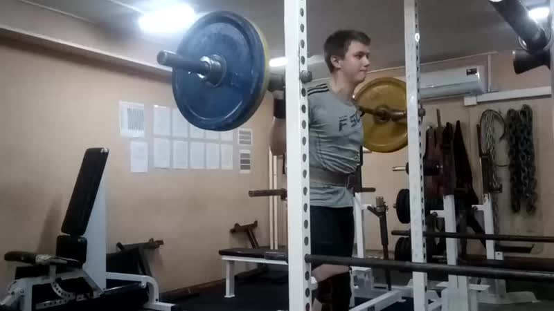 Переучиваюсь приседать 90 кг 3х8