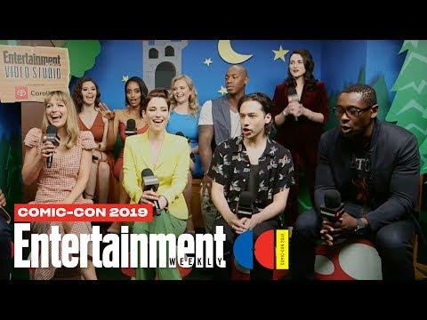 'Supergirl' Stars Melissa Benoist, Chyler Leigh Cast LIVE | SDCC 2019 | Entertainment Weekly