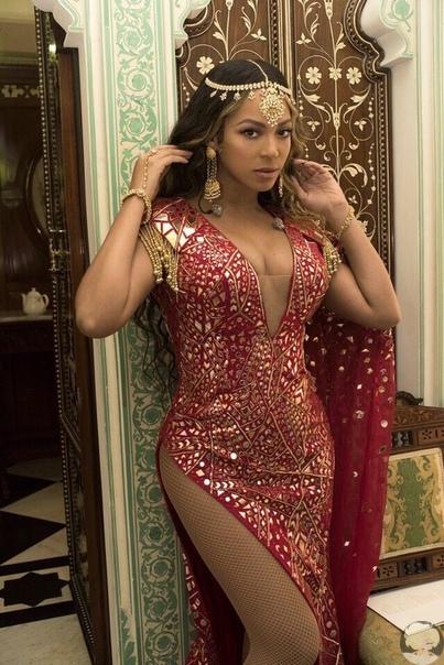 Бейонсе выступила на свадьбе дочери самого богатого человека в Индии