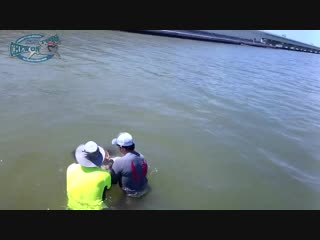 Funny When Big Fish Fight Back - How To Get Hook Out of Huge Fish Fishing Video