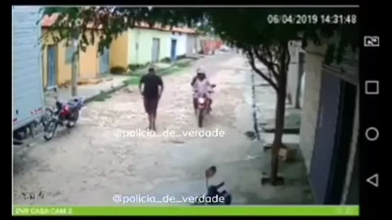 Brazil is not for beginners! Thief stealing thief!
