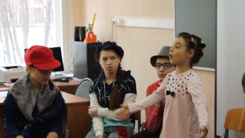 Первое выступление артистов инклюзивной театральной студии Аплодисменты