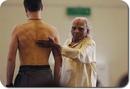 Йога учит нас, как исцелять то, что невозможно терпеть, и как терпеть то, что нельзя исцелить.