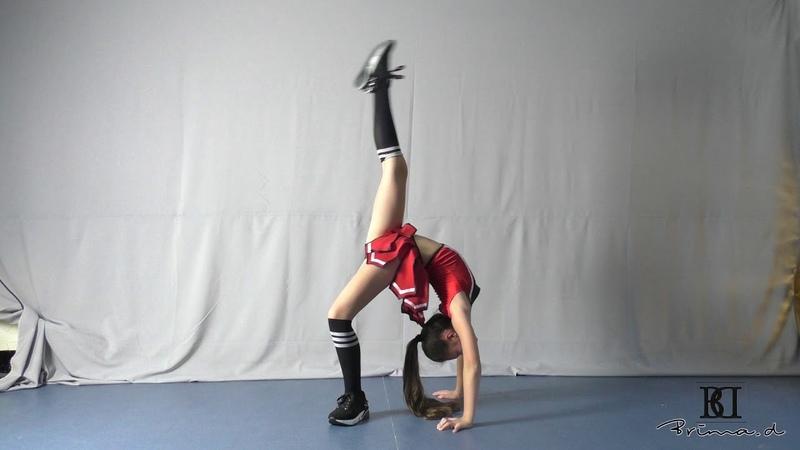 Model Skarlet cheerleader dance agency Brima.d