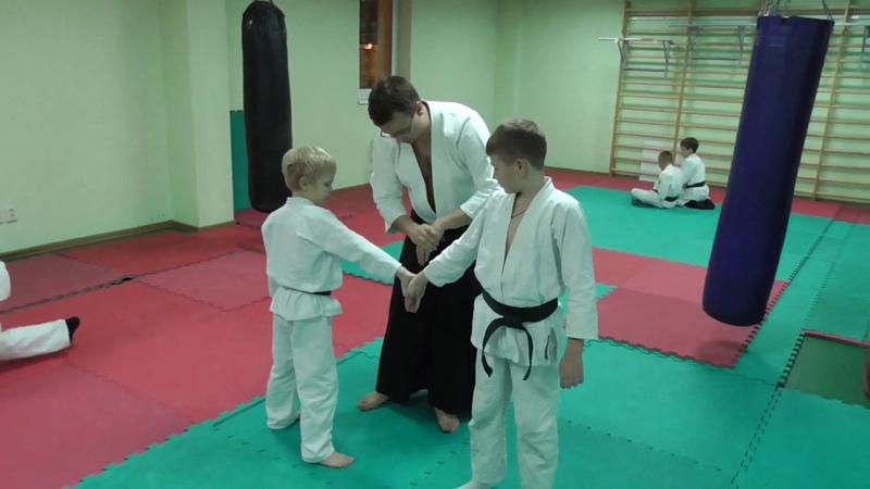 Ки-айкидо для детей. Тренер объясняет.