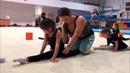 VLOG/Велиславу и девочек растягивают на правильный шпагат/Velislava and girls stretch on the splits