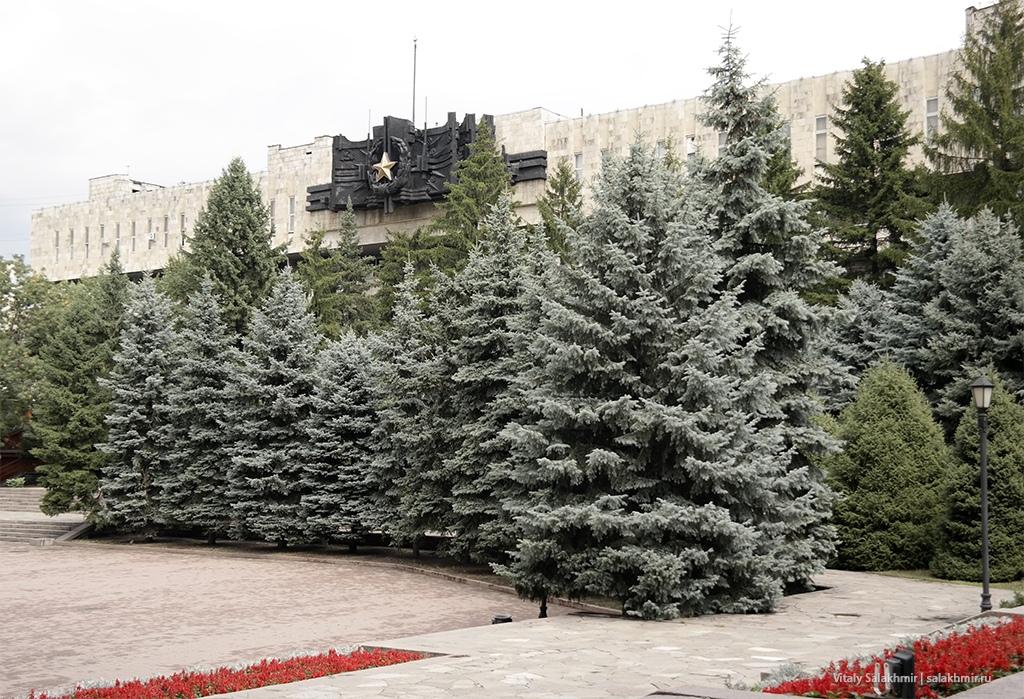Дом офицеров в елках, парк 28 панфиловцев 2019