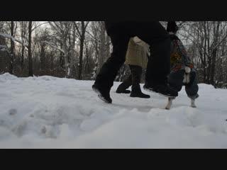 -23 градуса, 9 часов утра, как говорит наш инструктор:занимаемся вдождь,мороз,праздники,исключение новый год и моё (его)день рож