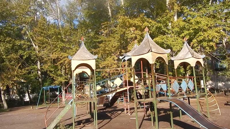 Майкудук осенью | 14мкр во дворах ложится свежий асфальт и всё хорошеет