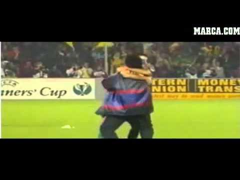 Emotional hug between Mourinho and Guardiola