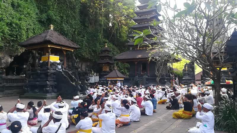 Храм с летучими мышами, Бали