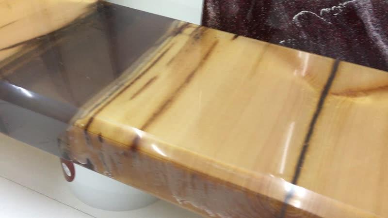 образец столешницы из сухой древесины и композитных материалов (полиэфирная смола)