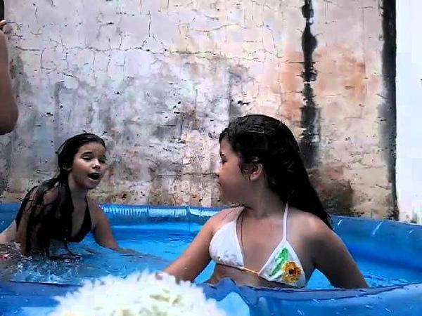 Um dia divertido na piscina parte 3