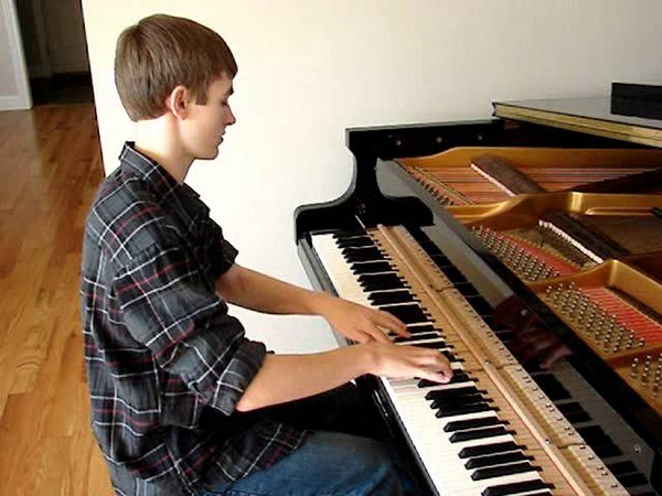 Sean Kingston ft. Justin Bieber: Eenie Meenie Piano Cover