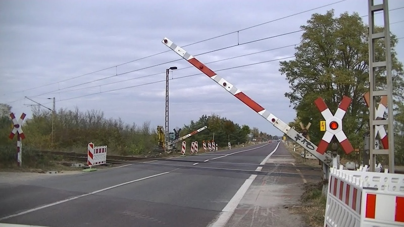 Spoorwegovergang Biederitz (D) Railroad crossing Bahnübergang