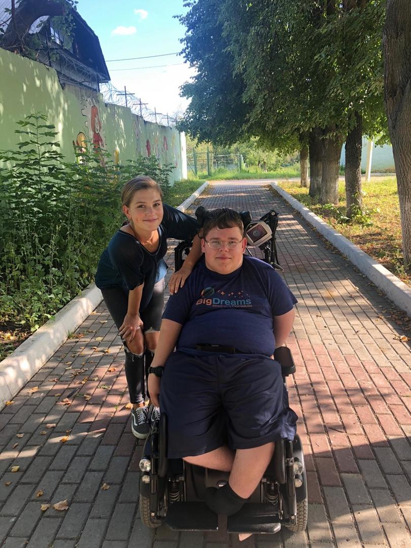 Одним из лучших гидов России стал харизматичный подросток-инвалид из Дмитрова