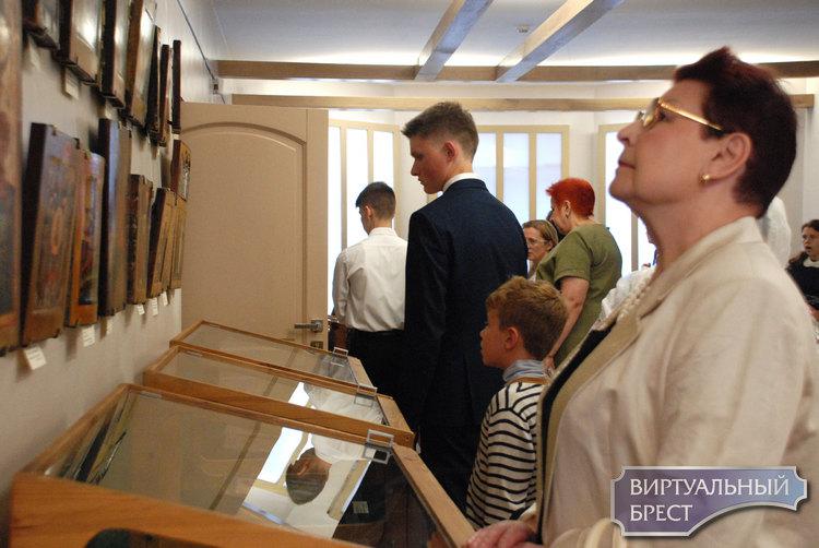 Открылась выставка православных икон «Небесное воинство» к 1000-летию Бреста