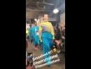 Leigh y Jade en la historia de Instagram de la cuenta grupal desde el desfile de @HouseOfHolland en el London Fashion Week! 2