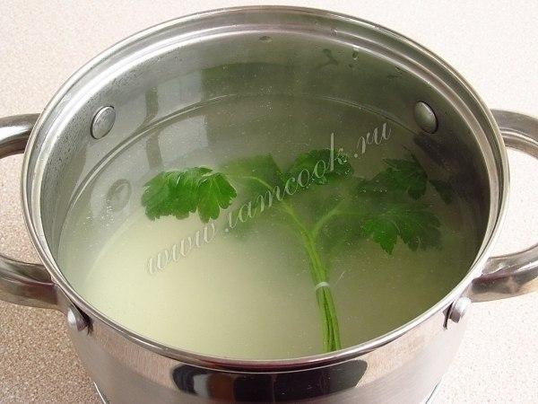 Английский куриный суп с плавленным сыром.